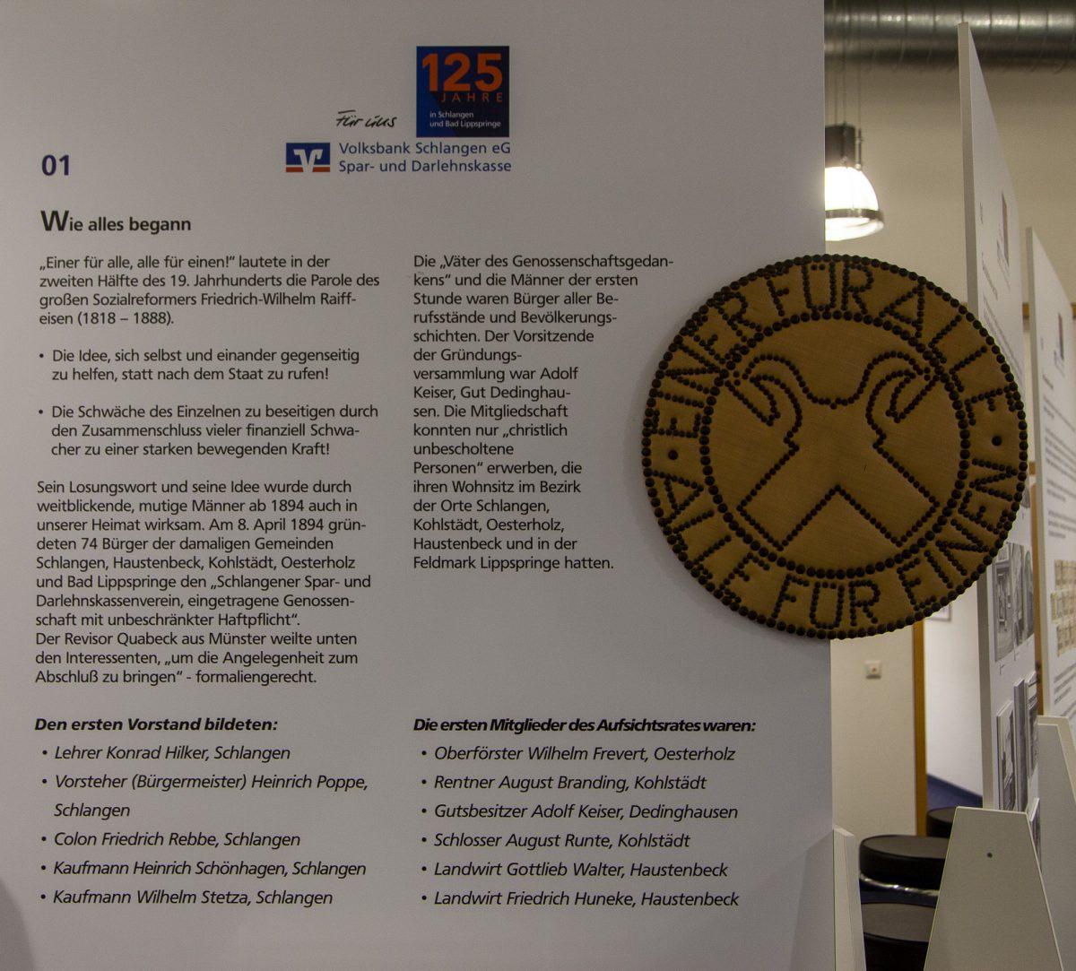 Schautafel zur Gründung der Spar- nd Darlehnskasse Schlangen am 8. April 1894.