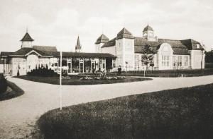 Das neue Kurbad von der Westseite Im Concertsaal wurden die erste Filme in Bad Lippspringe gezeigt. Copyright Klaus Böning